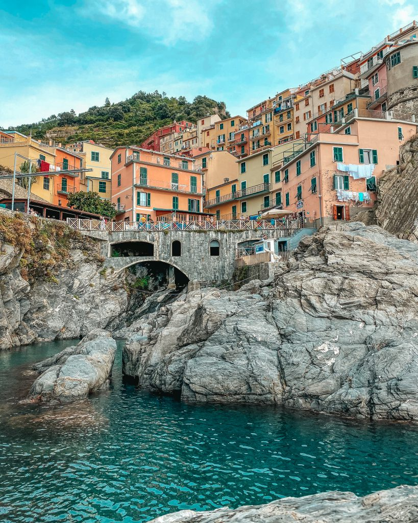 CINQUE TERRE BUCKET LIST & TRAVEL GUIDE: MANAROLA