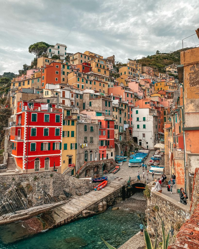 CINQUE TERRE BUCKET LIST & TRAVEL GUIDE: RIOMAGGIORE